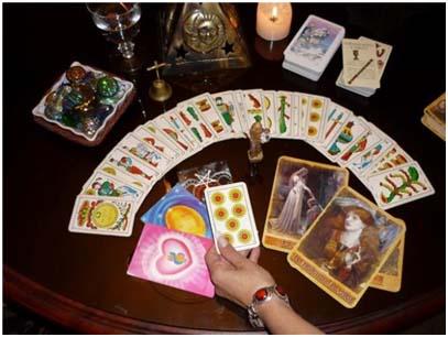 Resultado de imagen para quiromancia cartas